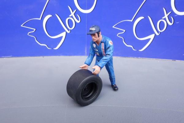 LMM Figur Francis Mechaniker mit Reifen