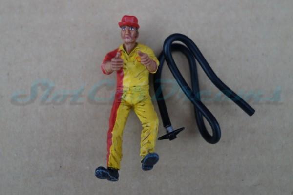 LMM Figur Maurice Mechaniker mit Benzinschlauch