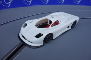 Mosler MT900R EVO5 TRIA AW White Kit