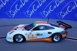 Scalextric Porsche 911 GT3 mit PCR Chassis auf Carrera Digital => VORLAGE