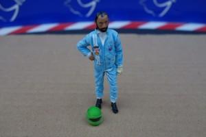 LMM Figur Rennfahrer Henri mit Helm